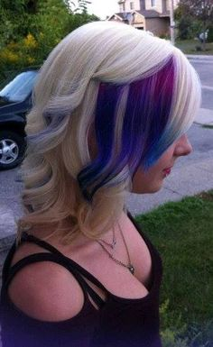 I don't think I'll ever dye my hair, but this actually looks good on her so I am pinning it :)