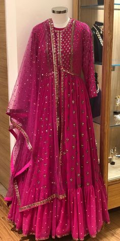 Fashion dress selection of designer dresses Pakistani Fashion Party Wear, Pakistani Dress Design, Pakistani Outfits, Indian Outfits, Indian Fashion, Pakistani Bridal, Anarkali Dress, Red Lehenga, Lehenga Choli