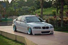 BMW E46 3 series white slammed