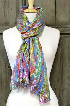 This colorful scarf is just gorgeous!