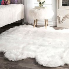 Shop for Silver Orchid Russell Faux Flokati Sheepskin Soft and Plush Cloud White Sexto Shag Rug - x Get free delivery On EVERYTHING* Overstock - Your Online Home Decor Store! White Fluffy Rug, White Faux Fur Rug, White Shag Rug, White Area Rug, Faux Fur Area Rug, White Rugs, Fluffy Rugs Bedroom, Bedroom Rugs, Decorating Rooms