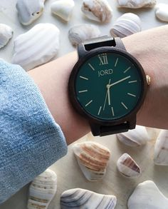 G I V E A W A Y . In love with my new Emerald and Dark Sandalwood watch in the Frankie Series from Jord! . I've teamed up with Jord Wood Watches for an amazing Giveaway! . One lucky winner will receive a $100 E Gift Code towards their choice of a womens w