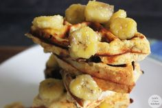 Maple Infused Protein Waffles with Caramelized Bananas | Lexiscleankitchen.com #paleo #glutenfree #dairyfree
