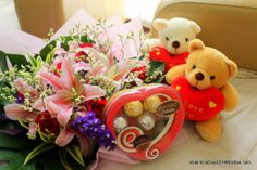 Chocolate Day Wallpaper HD - Teddies, Roses and Chocolates [ValentineDay2014Wishes.com]