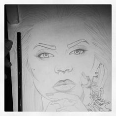 Work in progress of the stunning @beatrizmarianophotography wearing the equally gorgeous @rogueandwolf statement rings. Those rings are a bit tricky to draw but I enjoy a challenge ;) Now to start adding some ink! #rogueandwolf #beatrizmarianophotography #statementrings #rings #nosering #jewellery #sketch #workinprogress #artoftheday #picoftheday #arts_mag #artistsofinstagram #pencilsketch #model #photography #portrait #fabercastell #beauty #art