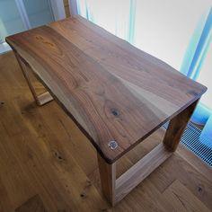 """""""Стол из двух ореховых досок толщиной 40 мм, подстолья изготовлены так же из массива ореха. // Full massive walnut table, simple and beautiful.  #gotwood…"""""""