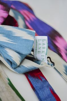 It's the little things. Little Things, Ikat, Textiles, Velvet, Purses, Crafts, Design, Handbags, Manualidades