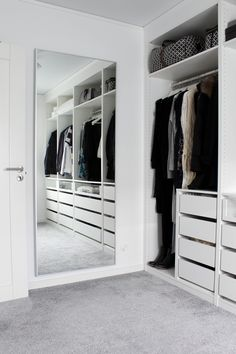 Kleidung / Schrank - Apt - - Make up ideen - Clothing / closet - Apt - - Make up ideas - Closet Bedroom, Bedroom Storage, Home Bedroom, Closet Mirror, Dressing Room Closet, Shoe Closet, Kids Bedroom, Master Bedroom, Walk In Closet Design