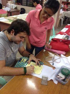 Jorge y Chema, voluntarios en Filipinas http://estrechandolazostds.wordpress.com/