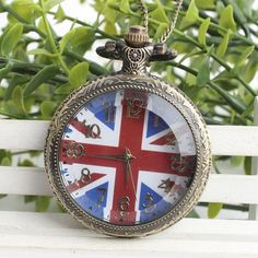 Vintage craft palace queen quartz pocket watch fashion London England British flag Union Jack hanging table in Europe and Americ