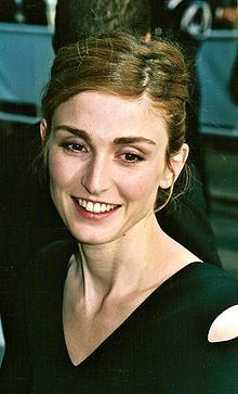 http://upload.wikimedia.org/wikipedia/commons/thumb/2/28/Julie_Gayet_Cannes.jpg/220px-Julie_Gayet_Cannes.jpg