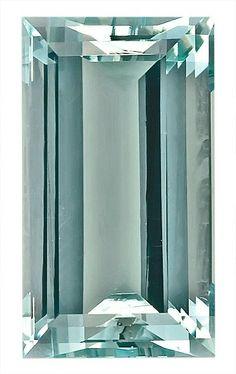 Nice Bright Light Blue Aquamarine Natural Gemstone on SALE, Rectangle Cut, 5.35 carats