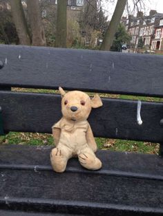 LOST in LONDON  aww this makes me sad. poor little fella. this little teddy bear is sat waiting for someone in Crouch End, London by St Mary's primary pic.twitter.com/NUMra8d0z9 Contact: https://twitter.com/joechurcher