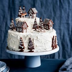 Cake Decorating 293296994481037984 - so happy that I can finally show you my favourite recipe&photo from this year's christmas mailing! vanilla cake, raspberry jam, white… Source by lupberger Christmas Cake Decorations, Cool Christmas Trees, Holiday Cakes, Christmas Goodies, Christmas Desserts, Holiday Treats, Christmas Treats, Xmas, Christmas 2019