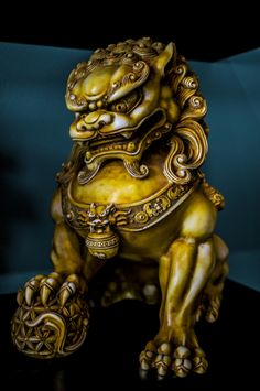Shishi is the Chinese word for guardian lions which are statues believed to have mythical protective powers. My brother has a pair of these in his tattoo shop. Japanese Tattoo Designs, Japanese Sleeve Tattoos, Tattoo Japanese, Foo Dog Tattoo Design, Japanese Foo Dog, Fu Dog, Lion Dog, Oriental Tattoo, Samurai Tattoo