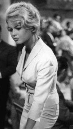 A George Vreeland Hill pin. Brigitte Bardot, Bridget Bardot, Hollywood Fashion, Hollywood Actresses, Actors & Actresses, Old Hollywood Stars, Michelle Rodriguez, Actrices Hollywood, Marlene Dietrich