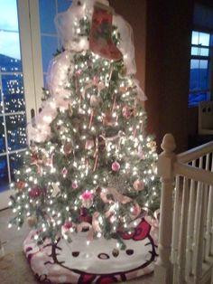 hello kitty Christmas tree!✜❤✿ڿڰۣ ✯ nyrockphotogirl ✯