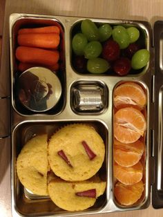 22 Aug Lunch. homeade corn dog muffins, carrots, grapes, cuties (2) and for snack a hershey candy :-)