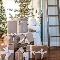 Present Wrapping, Nordic Christmas, Christmas Wrapping, Wood Design, Ladder Decor, Wraps, Gifts, Thanksgiving, Holidays