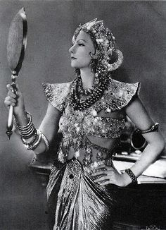 lapitiedangereuse:Greta Garbo - 1931 - Mata Hari - Costume design by Adrian - Directed by George Fitzmaurice It's not from Mata Hari, it's from Wild Orchids. Hollywood Cinema, Vintage Hollywood, Hollywood Actresses, Classic Hollywood, Actors & Actresses, Swedish Actresses, Hollywood Makeup, Hollywood Divas, Hollywood Star