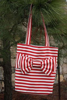 Easy To Make ~ Bow Bag Tutorial @Jennifer Keeney This looks like something you would like!