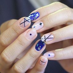 Grafic Design Nails by unistella_by_ek_lab