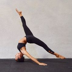 headstand woah | yoga