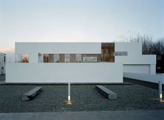Completed in 2004 in Garðabær, Iceland. Images by Åke E:son Lindman. The brief required the construction of a single family house on a site within a saturated residential quarter in the outskirts of Reykjavik. Architecture Art Design, Contemporary Architecture, University Of Liverpool, Architectural Photographers, Unique Buildings, Building Structure, Model Homes, Minimal Design, House Plans