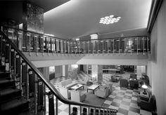 Interiores - átrio de entrada. Fotógrafo: Estúdio Horácio Novais. Data de produção da fotografia original: posterior a 1941.  [CFT164.161691.ic]