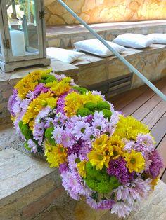 #stolismos #vaptisis #christening #mpomponieres #bobonieres #prosklitiria #invitations #decoration #baptisi Christening, Invitations, Decoration, Plants, Decor, Deko, Save The Date Invitations, Embellishments, Planters