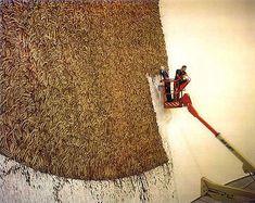 Richard Long - River Avon mud arc, Bilbao Guggenheim – 2000 - in process Richard Long, Long Painting, Action Painting, Appropriation Art, Internet Art, New Media Art, Feminist Art, Installation Art, Art Installations