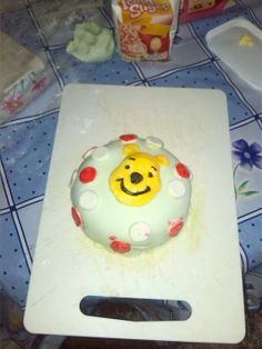 Catherine's Winnie the Pooh cake - no bother at all! #disneycakes