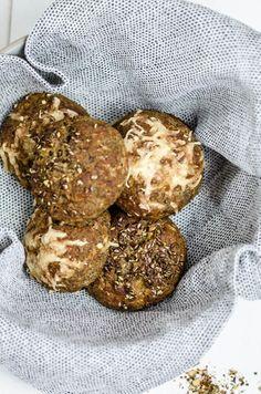 Low carb Leinsamen Weckerl (Brötchen) - Baking Barbarine