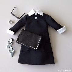 Nothing is more chic than black on black. ☑️ #barbie #barbiestyle