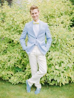Groom in light blue jacket and yellow bow tie | fabmood.com