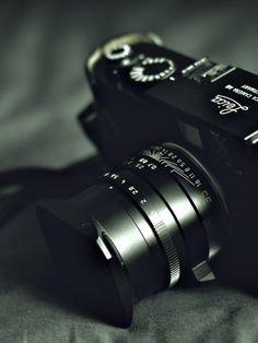 ♂ Camera Leica