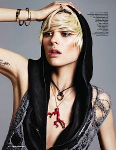 Riches of the Reef   Milou Van Groesen   Alique #photography   Vogue Netherlands July/August 2012