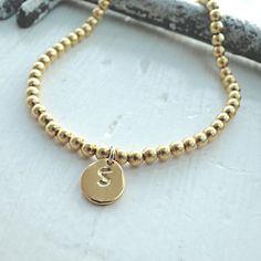 Armband+Initiale+Dot+gestempelt+Rounds+vergoldet+von+EinzigARTigeS+auf+DaWanda.com