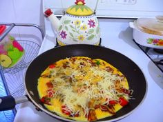SPLENDID LOW-CARBING BY JENNIFER ELOFF: Do you want to make the best omelet you will ever eat?  Visit us at: https://www.facebook.com/LowCarbingAmongFriends