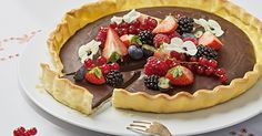 Le chocolat et les fruits - consommés dans une alimentation équilibrée - possèdent de nombreuses vertus pour le corps et l'esprit, alors pourquoi s'en priver? Découvrez une recette gourmande sans trace de gluten ni de lactose imaginée par Herta.