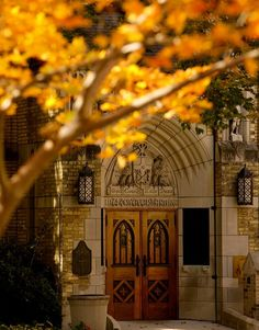god country notre dame