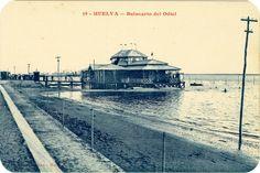 Postales de Huelva: En 1917 se inauguraba, en la playa artificial de la Punta del Sebo, a 750 metros del muelle de minerales de la Compañía Rio Tinto, el recordado Balneario del Odiel.