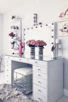 24 Makeup Vanity Table Designs to Decorate Your Home ★ Glam Modern Vanity Tabl. - Furniture I've bought for my home - Make up Makeup Vanity Decor, Makeup Rooms, Makeup Vanities, Diy Makeup Desk, Makeup Tables, Nice Makeup, Awesome Makeup, Modern Vanity Table, Modern Table