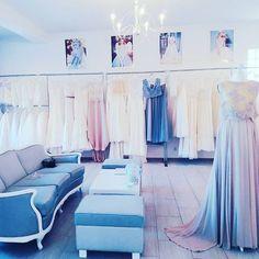 Zapraszamy na przymiarki w najblizsza sobote tel.532089317 #weddingroomgdynia #weddingroom #atelier #sandomierska2 #malykack #lovegdynia #lovemydress #slubnaglowie #suknieslubnegdynia #suknie #bridetobe #color #dustypurple #dusty #perfect #boho #bohemian #rustykalne #hippie #gypsy #pink #moody #oldcoach #ludwik #sayyes #dekoracje