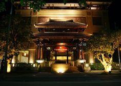 Imperial - L'entrée de l'hôtel