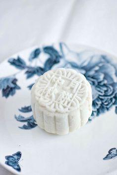 Durian Snowskin Mooncake