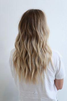 Summer Blonde Hair, Beach Blonde Hair, Caramel Blonde Hair, Blonde Hair With Roots, Honey Blonde Hair, Platinum Blonde Hair, Beach Hair, Selena Gomez Pelo Corto, Brown Hair Inspiration