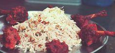 La cocina hindú destaca por el gran uso de especias en su dieta. Durante muchos años estuvo muy influenciada por la gastronomía de otros países, debido a las colonizaciones.