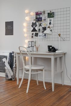 Put out some good apartment karma and find ways to decorate that won't leave pinholes in the wall. VIA White and Other Colors on Tumblr      Hang a found piece of welded wire mesh (or one of these wall panels) and attach memos or photos with clothespins, as shown.RELATED: 5 layouts for gorgeous gal...