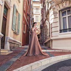 "598 Gostos, 5 Comentários - Micaela Oliveira (@micaelaoliveiraoficial) no Instagram: ""✨ #hautecouture #monaco #dresses #lovemyjob #fashion #beauty #woman #micaelaoliveiraoficial"""